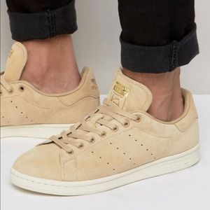 96b91cb0d9949a adidas Shoes - 🔥NWT Stan Smith Tan suede🔥